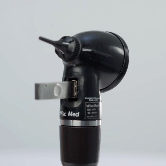 Wispr digital otoscope with thumbdrive in USB port